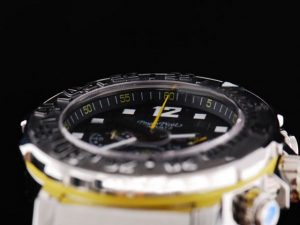 paul-picot-sscase-with-black-dialbezel-and-rubber-strap-watch-38_5